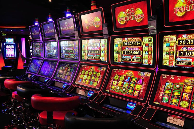 Why Are People Recommended To Always Use A Licensed Website For Playing Online Slot?