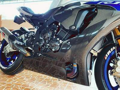 The new and improved Yamaha R1 with carbon fiber parts